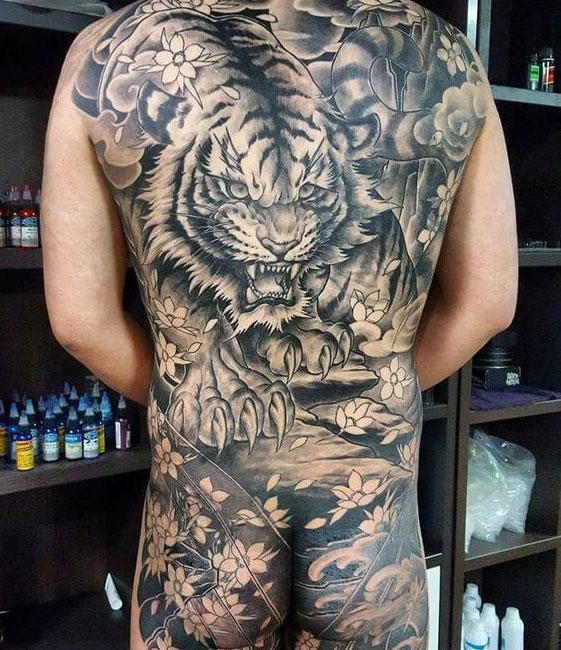 tijger tattoo rugstuk